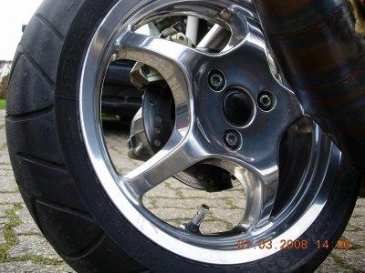 Polissage d 39 un m tal et bain de chrome blog de pationam6 for Polir aluminium miroir