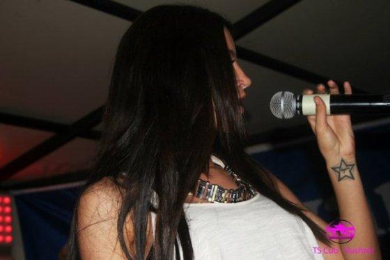 Duff ne Vustrri . thx blogu Dafina-binalinda <3