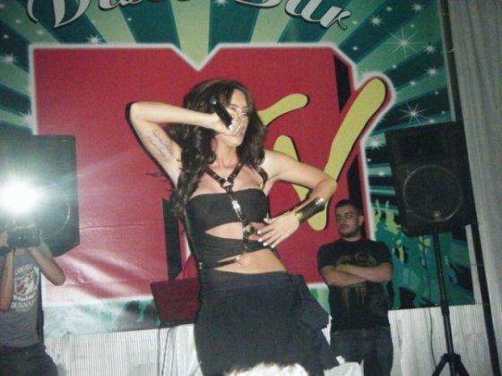 Dafina Me Fanse :D thx blogu Dafina-binalinda <3