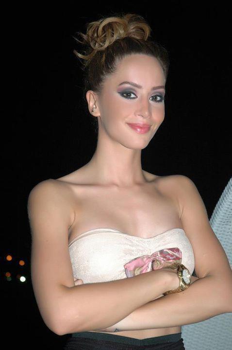 Dafina Ne Vlore :) thx blogu daffina-super.girl <3