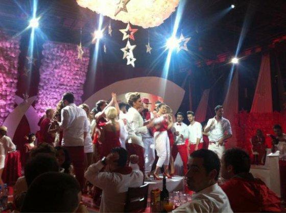 Dafina Zeqiri Gjat Gjirimeve te Vitit Te Ri !! :)