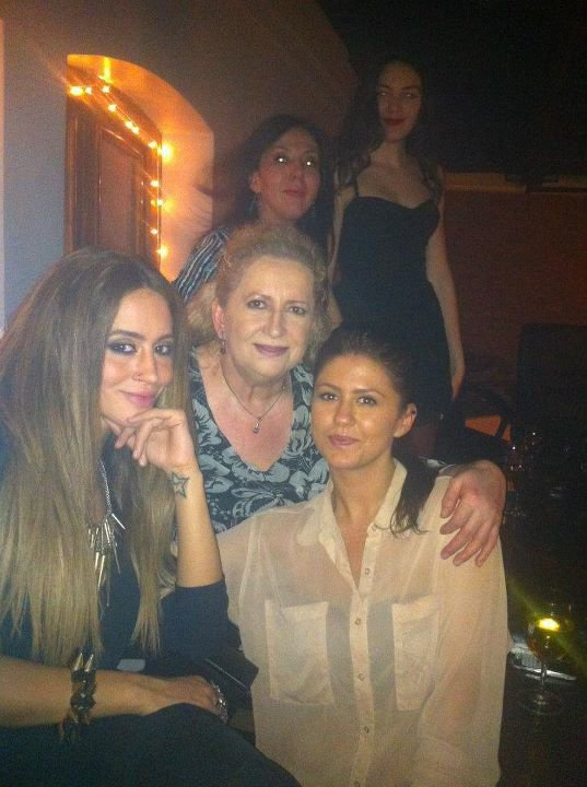 Dafina,Melihate ( Nena e Dafines ) Tringa Zeqiri and some friends !