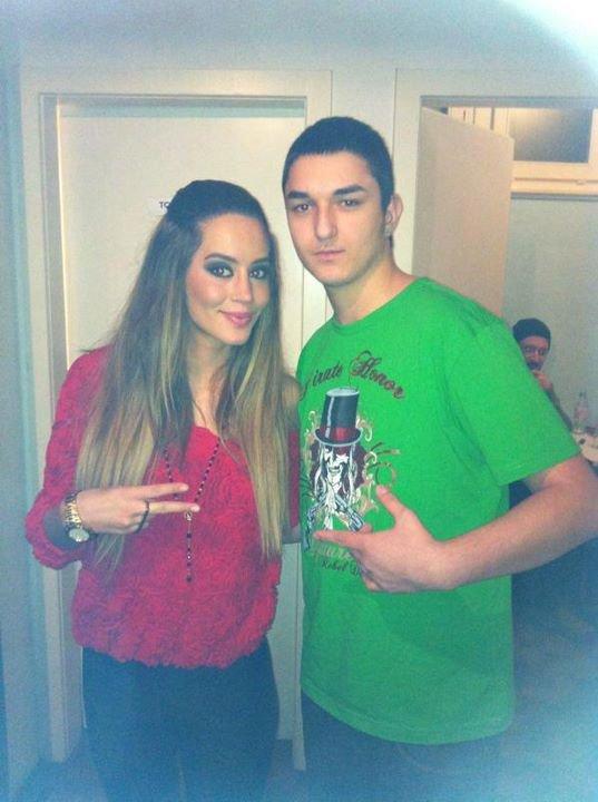 Dafina Zeqiri Me Fansa !!