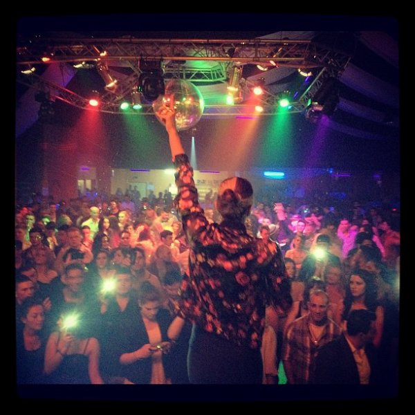 My show last-nite in Dusseldorf! Thx to everybody who came, it was Crazy! Grrrr