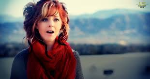 Hello !! Je suis Elisha Ginger, enchantée !! ^^