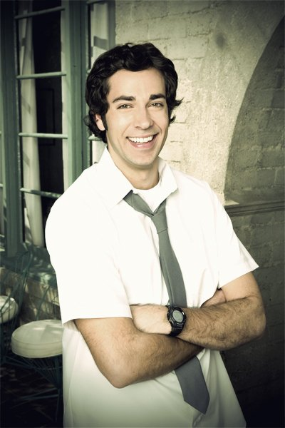 Zachary LeviAnother perfect man.