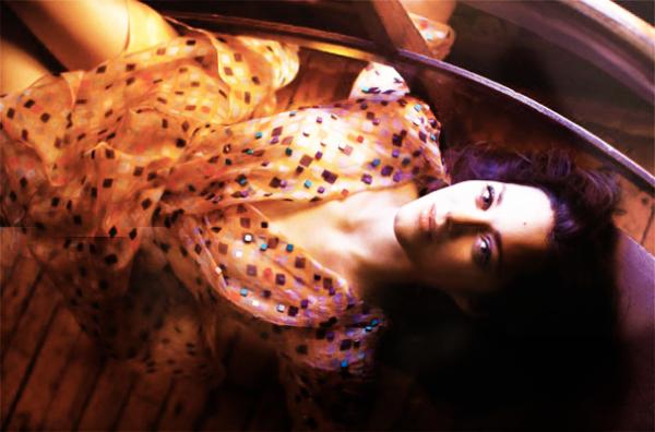 ●●Marion dans le madame figaro de Juillet.