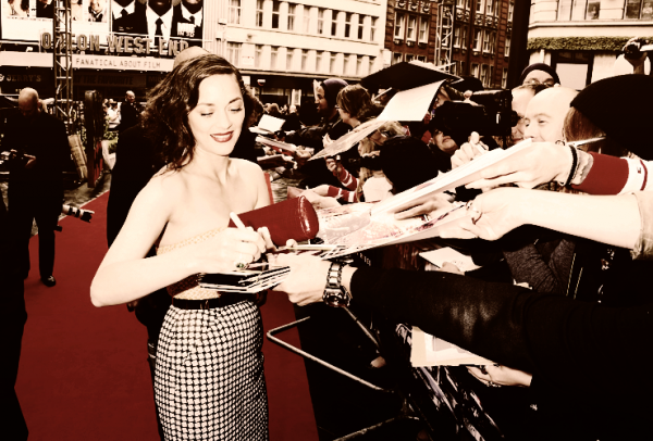 "●●Marion lors de THE DARK KNIGHT RISES"" EUROPEAN PREMIERE"