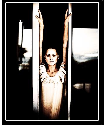 ●●Marion Cotillard dans les petits mouchoir version étrangére.