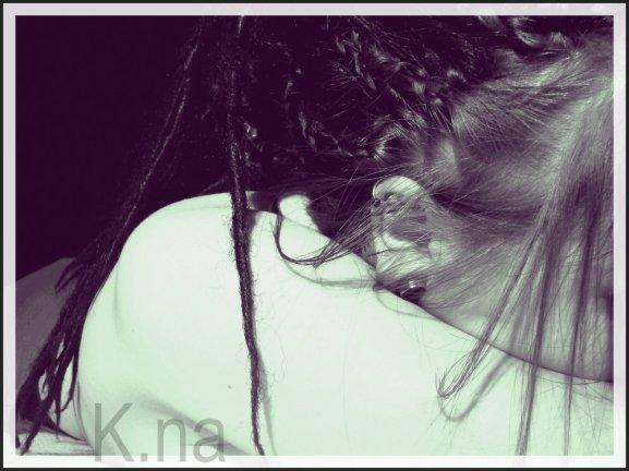 P0ouet ! Ma Champinette Drédounette Je L'aime Gros comme une Citrouille ☼ C'est quelle devient indispensable cette face de chou ♀  Je finis par croire que je vis dans le paradis grâce a toi et ta face de choupa choups ,le fait de tavoir connu ma rendu tellement heureuse et eclatante, tu es surement une perle rare la mienne , j'ai enfin trouver mon réelle bonheur , je Taime enormement mon champignion , une magnifique connaissance et une sublime personne , ce specimen la est extraordinaire je ne regrette pas cette rencontre juste notre petite engeulade , notre minuscule dispute mes qui a durée 2 tres long mois , on aurait dis une eternité qui apparaissant, pas te parler pendant soixante-deux jours cétait le vide absolue, je promet de me taire et de ne rien gacher , je vis dans les nuage avec le smile qui maccompagne a chaque second de ma vie , je pense a toi et a ta magnifique face , en pensant encore a toi , et a te voir , voir ta silhouette refleter le soleil et les arc en ciel qui aparaitront a laube de ton arriver, quand cela arrivera je veux etre prevenu par les 12coups de minuit qui sonneront a ton arriver que des feux dartifices eclatent de milles couleurs, puis que tu sois la arrivant devant le tapis rouge pres du Jardin Publique , jarriverais te sautant dans les bras , en pleurant, en etant heureuse de tavoir enfin vuet de tavoir serrer contre moi et surement davoir passer une merveilleuse aprem midi a ne jamais oublier, tu est merveilleuse je noubli rien de cela , je suis telement contente si tu savait tu ne peux imaginer , comme je suis aux anges grace a toi ma belle , Je T'aime , Je T'aime Enormement ♥ C'est les beaux jours ☼