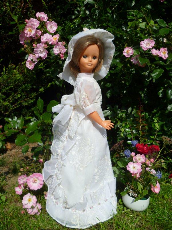 Cathie en tenue de Mariée 1972