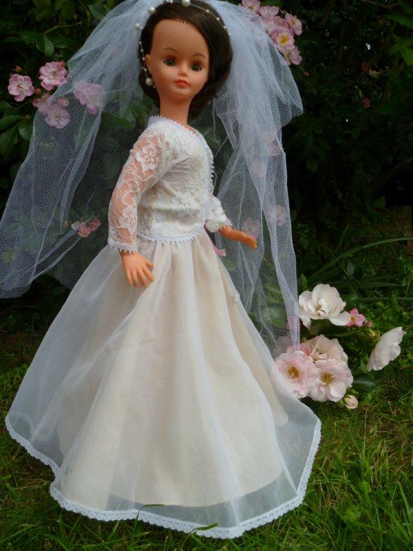 Cathie Tenue Mariée 1980