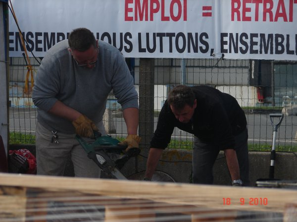 Les salariés de SCA continuent la grève pendant que les syndicats négocient à Roissy