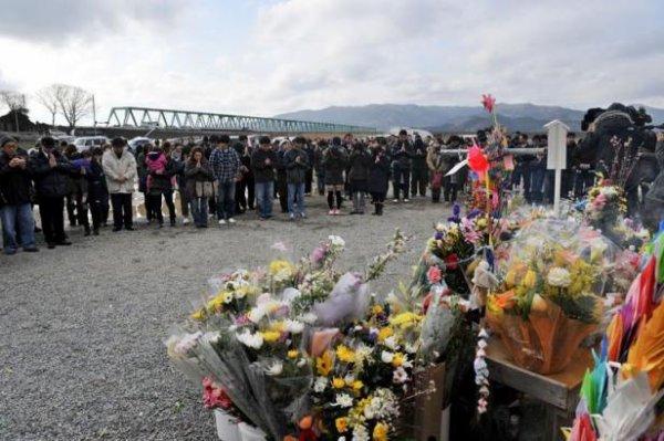 Minute de silence au Japon pour les victimes du tsunami du 11 mars 2011
