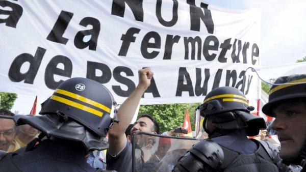 PSA : Hollande fait tiquer Baroin et ne convainc pas la CGT