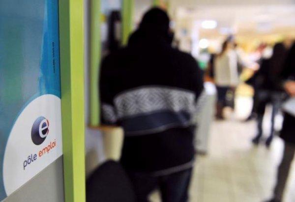 L'emploi salarié se replie au 2e trimestre, 11.700 emplois détruits