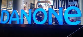 Danone va supprimer 10% de ses cadres en Europe, après un bon crû 2012