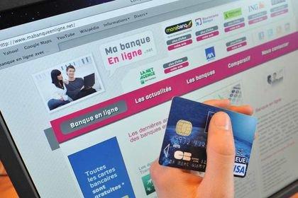 Les Français préfèrent Internet à leur banquier