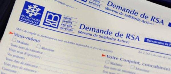 Le gouvernement renonce à fusionner le RSA et la prime pour l'emploi