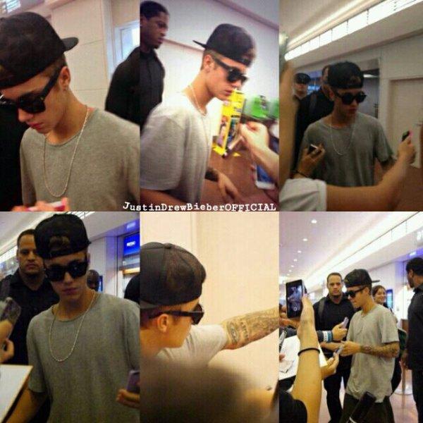 ღ Justin à la rencontre de ses fans à l'aéroport de Tokyo, au Japon aujourd'hui ღ