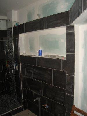 Joints carrelage salle de bain suite notre maison nos for Joints carrelage salle de bain