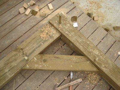 La pergola queres de liaison notre maison nos travaux - Fabriquer equerre en bois ...