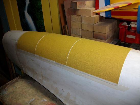 100.papier de verre gros grain mis sur la forme
