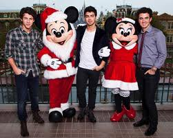 les jonas et demi  a disney land paris !!!!!!!