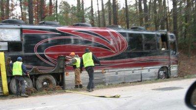 18-08-2011 - Allemagne - Un autocar Belge sort de la route en Allemagne sur Autoroute A8 à Leipheim - 8 blessés.