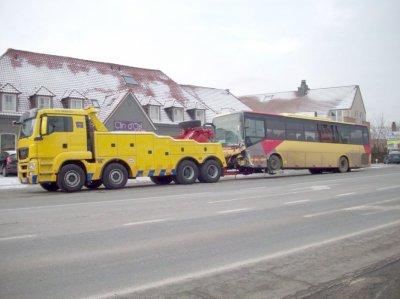 Belgique - VDM CORBAIX . Brabant Wallon-  E411 - E19  Gembloux Mont St Guibert - Accident bus des TEC.