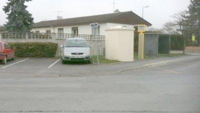 17-02-2011 - France - Reims - Accident autobus - Une fillette Sandy 15 ans happée par un bus, elle est décédée sur place. Quartier de la Neuvillette - Reims.