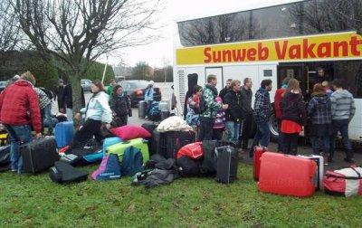 31-12-2011 - France - Velaine - Un autocar Hollandais quitte l'autoroute A31 - Chauffeur problème cardiaque - aucun blessé 31/12/2011