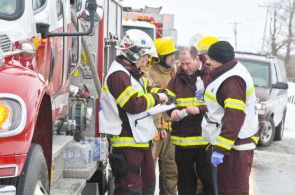 03-03-2012 - Québec, l'autocar sort de la route et culbute, 2 personnes décédées .Two dead, 28 injured in Quebec bus crash | CTV News