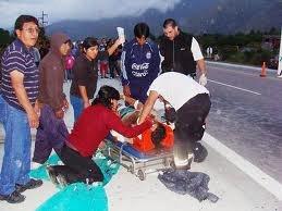 07-04-2012 - Argentine - Un autocar des Voyages Potosi fait 10 morts dont 1 fillette de 6ans, 2 Allemands, 1 bébé de six mois ainsi que 40 blessés- 3 Français, 2 Allemands, 1 Espagnol, 1 Britannique parmi les ces touristes