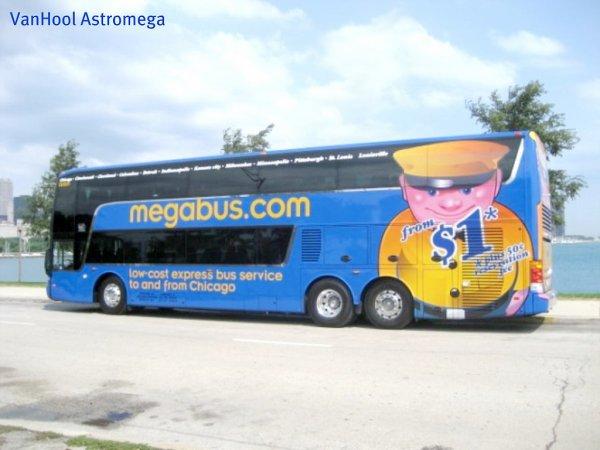 12-09-2010 - New-York - Accident Grave d'un autocar Megabus.Com, il suit la route avec GPS, 4 morts,  il écrase l'étage contre un pont - Onondaga Lake Parkway bus crash