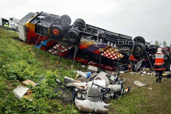 17-05-2003 - Un autocar Allemand - Rhône - Lyon - 28 victimes - 46 blessés