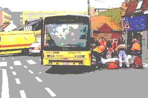 08-06-2012 - Belgique - Fléron - Deux adolescentes blessées et un blessé à Mouscron sur le passage piéton par des bus du TEC - Accident de bus à Fléron et Mouscron