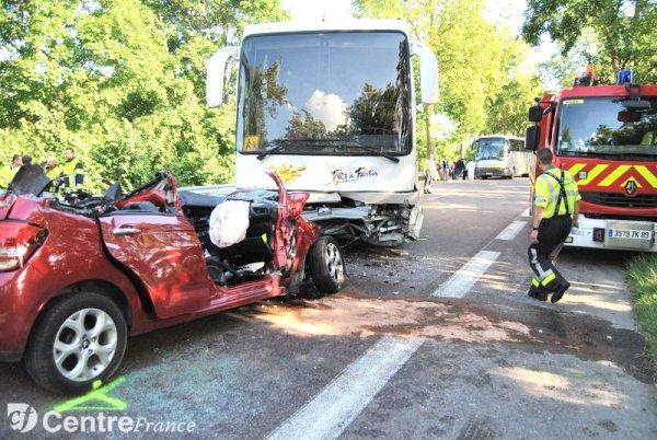 24-06-2012- France - Bus scolaire contre voiture : le jeune Auxerrois est décédé des suites de ses blessures