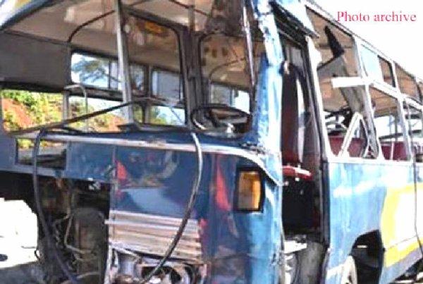 05-11-2012 - Algérie - Constantine - Un accident d'autocar fait 35 blessés et une personne décédée.