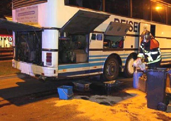 26-10-2012 - Luxembourg - Bertrange - Fuite de carburant dans une station-service sur l'A1