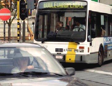 15-10-2012 - Belgique - Merksem - Deux bus de De Lijn sont entrés en collision, sur la Bredabaan à Merksem. L'accident a fait six blessés, a confirmé le porte-parole de De Lijn Koen Peeters.
