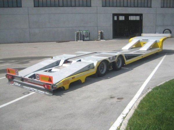 15-12-2012 - La bala Amarilla Levando el Actros de Serrano - Gondola 3 EJES - Carbotech.