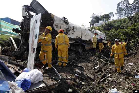17-12-2012 - Colombie - Accident d'autocar - Colombie : au moins 26 morts dans un accident d'autocar