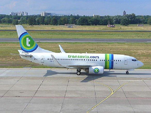 30-01-2013 - Un Boeing 737 de la Compagnie Néerlandaise Transavia effectue un vol vers la Crête sans pilote pendant 2h30'