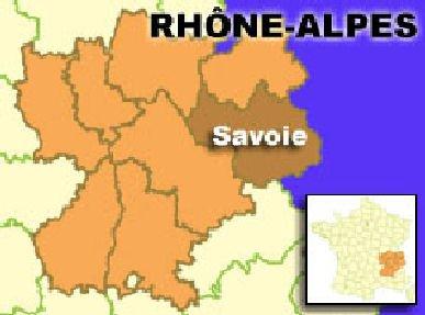 23-08-2008 - France - Savoie - Un autocar Belge VanHool à double étage transportant 48 étudiants lillois rentrant d'un séjour à la montagne, a pris feu sur l'autoroute A43. (Péage de Chignin).