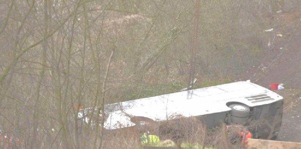 14-04-2013 - Belgique - Anvers - Accident grave d'un autocar polonais à Ranst près d'Anvers. 5 morts dont les deux chauffeurs du car.