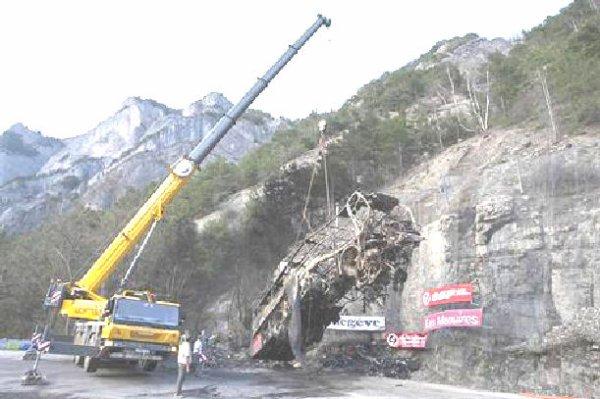 16-04-2013 - France - Isère - Vizille - Alpe d'Huez - Route Napoléon - RN 85 - Cannes à Grenoble - 3 morts - 4 blessés graves