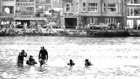 15-07-1969 - Belgique - Dinant - Un autocar de la Firme Van Dijk à Eindhoven plonge dans la Meuse - 21 morts.