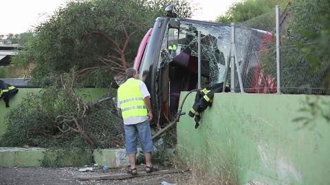 25-06-2013 - Espagne - Un accident d'autocar à hauteur d'Alicante fait 38 blessés.Le bus devait se rendre à Algésiras, où les passagers devaient prendre le bateau pour le Maroc