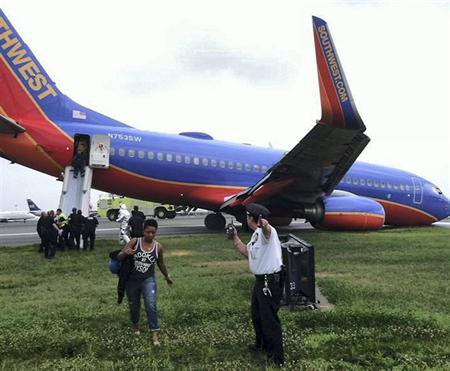22-07-2013 - USA -  Problème d'atterrissage à l'aéroport de La Guardia à New York: 10 blessés